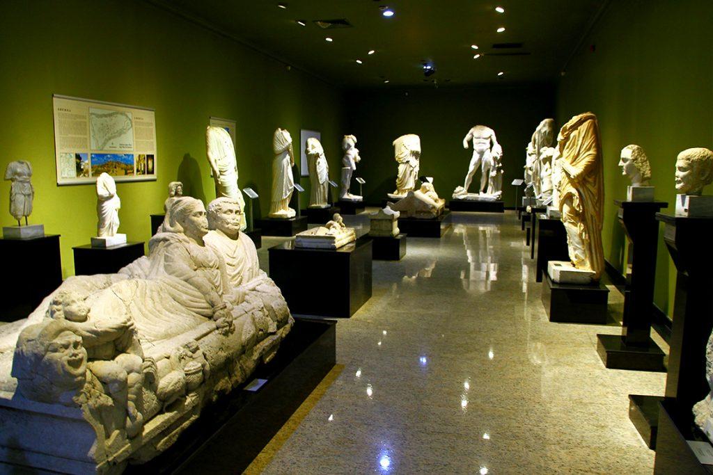 Burdur Gezilecek Yerler - Burdur Arkeoloji Müzesi